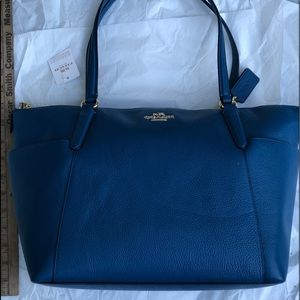 Coach NWT tote in blue